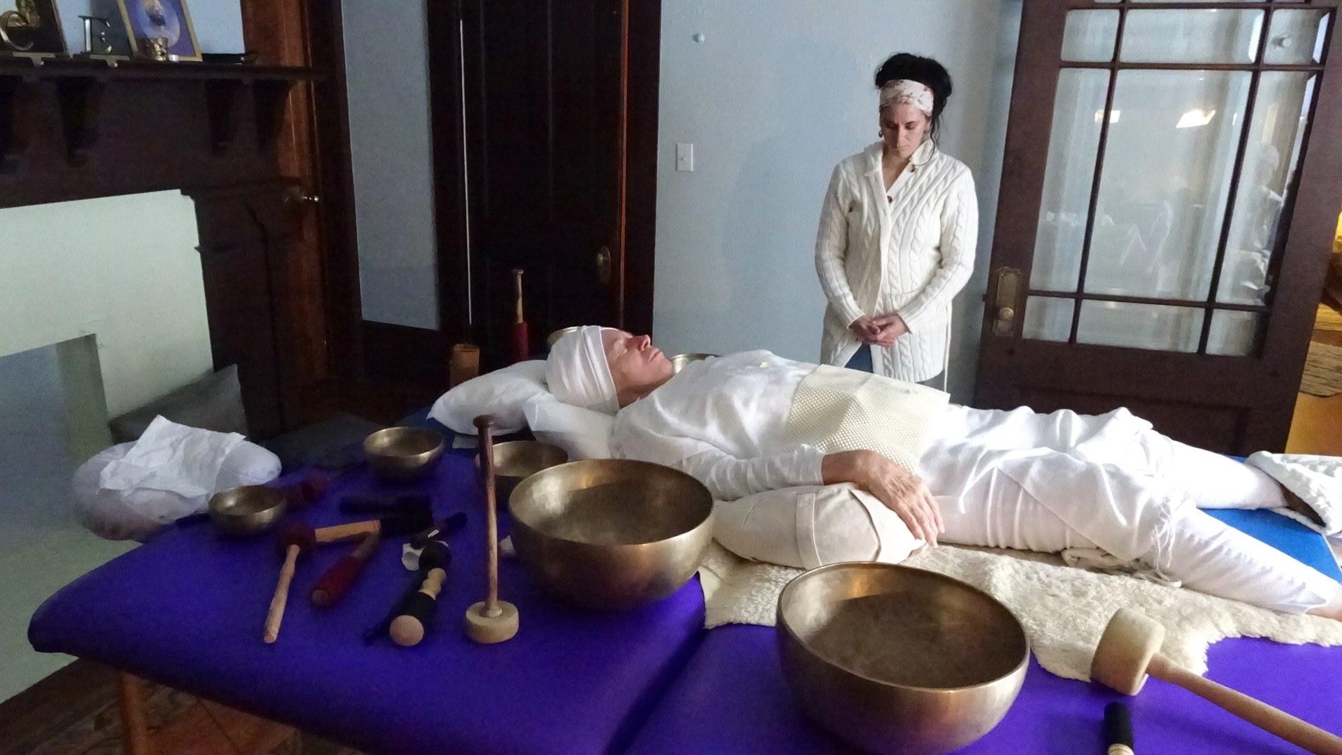 Women's Monday Evening Kundalini Yoga & Meditation Class – Embracing Your Grace and Power as a Woman